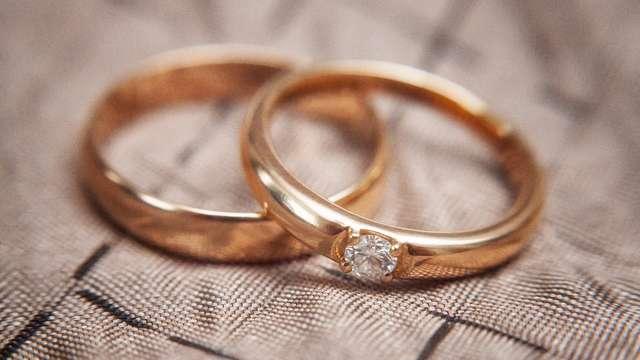 婚約指輪は絶対必要?? 婚約における指輪の意味